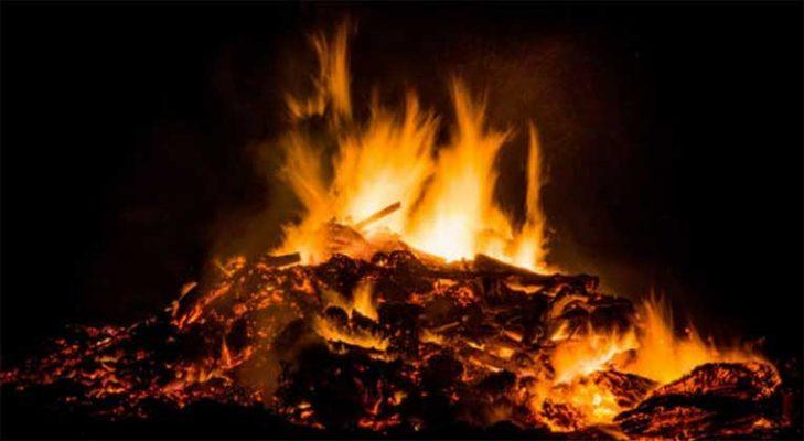 nằm mơ mình đang đốt đống lửa