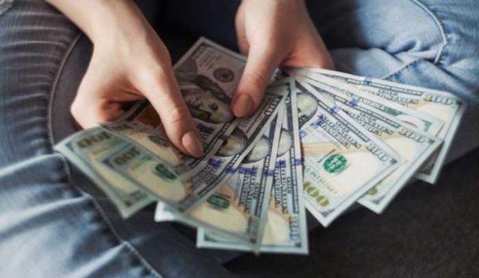 Mơ thấy bố mẹ cho tiền